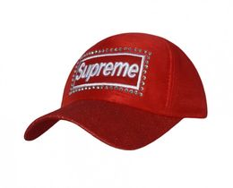 Фото - Красная кепка в стразах Supreme - Men box